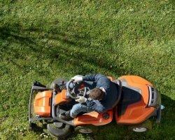 Jak wybrać dobry traktorek ogrodowy w rozsądnej cenie?